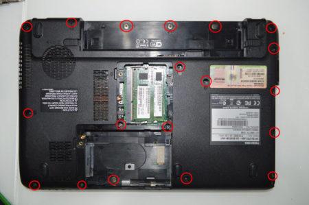 Располочение винтов на задней крышке ноутбука toshiba satellite L630